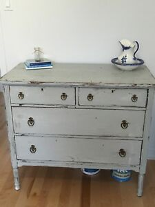 commode style shabby chic
