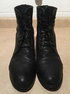 """Women's """"On Course"""" Leather Boots Size 9 London Ontario image 3"""