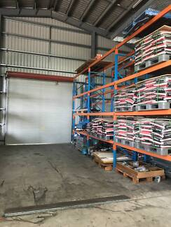 162 Sq/mtrs for rent with pallet racking for 150 pallet space