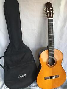 Yamaha C40 classical guitar and case - never used Caulfield North Glen Eira Area Preview