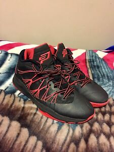 Size 9 Black and Orange CP3
