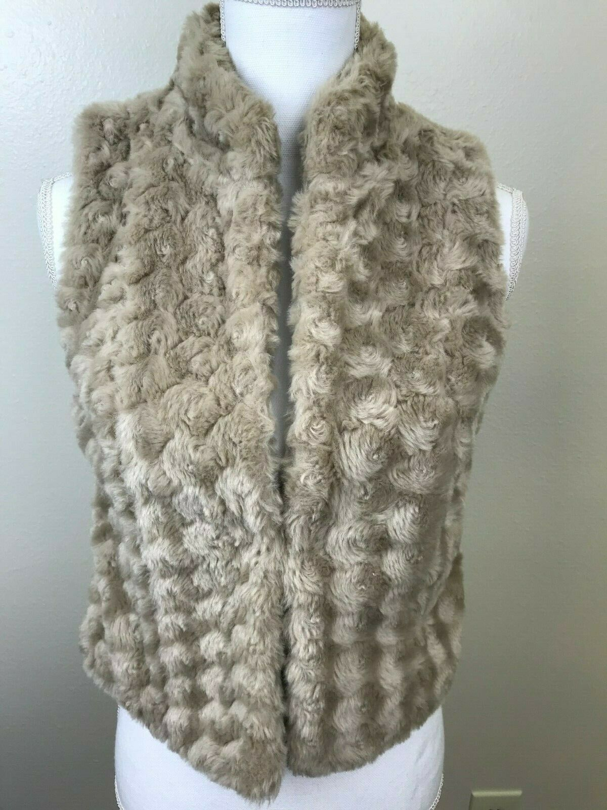 ELLE Women s Faux Fur Vest Tan Hook Front Warm XS - $14.99