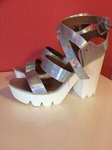 WOMEN'S SIZE 10 PLATFORM SHOES