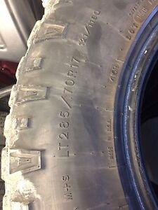 285/70R17 Goodyear Duratracs Edmonton Edmonton Area image 5