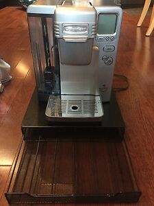 Cuisinart keurig coffee maker with included pod drawer and  pods
