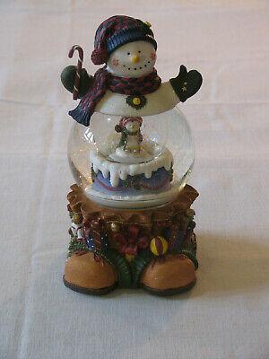 American Greetings 'A Berry Merry Christmas' Animated Musical Snowman Snow Globe