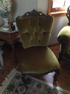 CARVED VELOUR ANTIQUE STYLE LOUNGE SET Ryde Ryde Area Preview