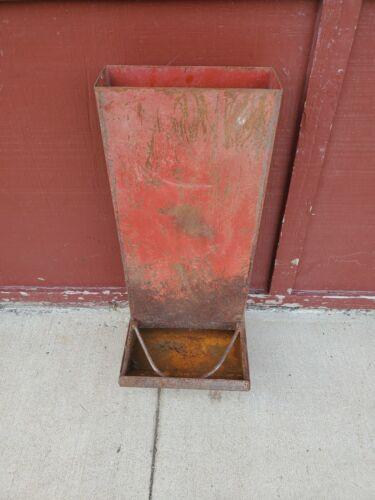 "red metal stand up wall mount hog feeder 28-1/2"" flower garden fence decor #3"