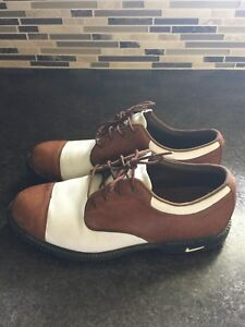 Ladies  Nike Golf Shoes Size 9 excellent condition