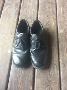 Men's dress shoes - size 9