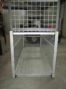Dog Cage for sale Williamtown Port Stephens Area Preview