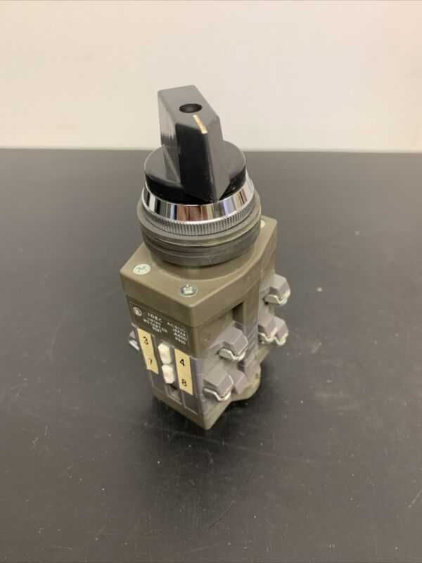 Wow! *NEW* IDEC 600V 10AMP ROTARY CAM SWITCH CS-10