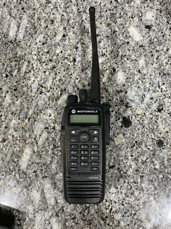 Motorola XPR 6550 UHF Portable