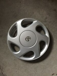4 Toyota Hubcaps for Sale