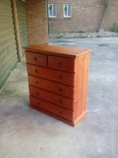 Solid timber 6 drawers tallboy chest of drawers on runners Parramatta Parramatta Area Preview