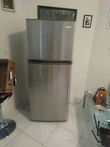 Changhong 2 doors fridge freezer