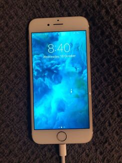 iPhone 6s 64GB Gold *includes box and accessories*
