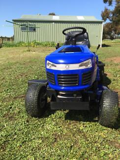 Victa ride on mower Koroit Moyne Area Preview