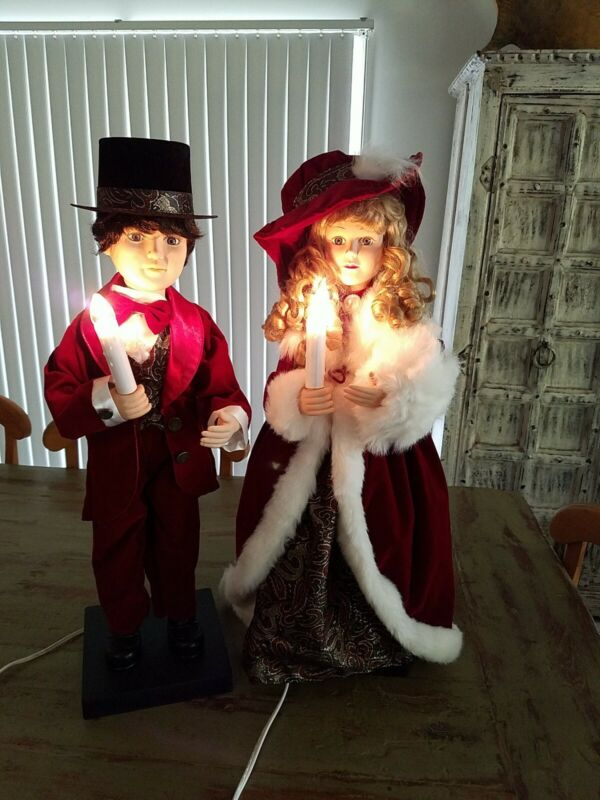 Vtg Animated Christmas Carolers Victorian Couple Dolls Lighted Candlesticks 27""