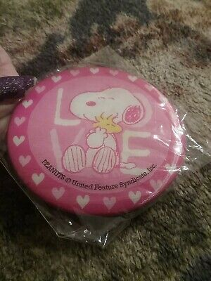 Pics Of Snoopy (2 PICS OF Snoopy 1 BUTTON Pinback 2.25