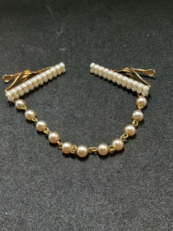 Vintage Jewelry Faux Pearls Sweater Clip. 1722