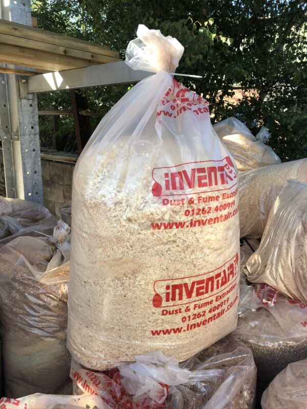 Wood+Chippings+Saw+Dust+Shavings+Bedding+%7C+Collection+or+Local+Del+%28Cheshire%29