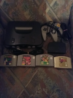 N64 + 4 games good condition want to swap for a wii u +some games