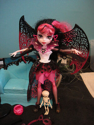 ✿● Mattel Monster High : K6/41 Ghouls Rule Halloween Draculaura  ()