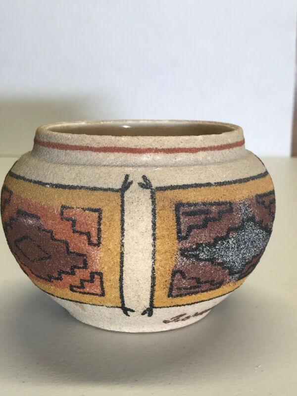 Beautiful Vintage Native American Pottery Vase Rancho Feliz Signed Originals