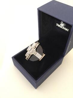 Swarovski ring: clear crystal / black moon / metal band size 5 Morley Bayswater Area Preview