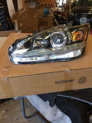 2014 Lexus Ct 200h  Lelf  Headlight