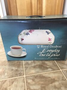 Royal Doulton everyday dish set