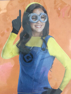 Adult Woman Minion Costume (Womens Adult Despicable Me The Minion Costume Halloween Small)