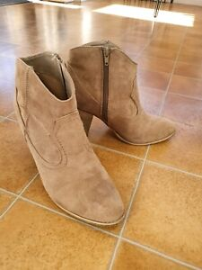 Ladies suede boots.