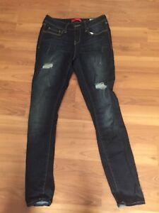 Guess jeans ladies size 29 and new guess shirts size m