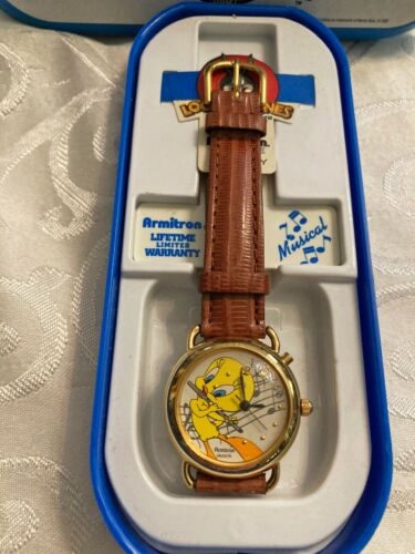 Vintage Armitron Musical Tweety 1998 Wrist Watch Leather Band