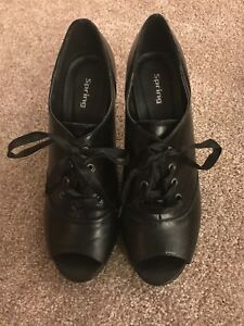 """Womens size 40 (9-9.5ish) """"spring"""" shoes/booties"""