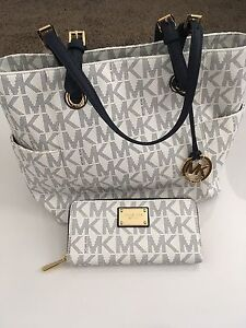 Michael Kors Jet Set Leather Tote with matching MK Wallet