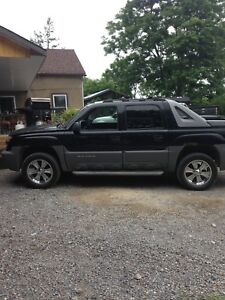 2002 CHEVROLET AVALANCHE. 4x4 FOR SALE OR TRADE FOR A QUAD