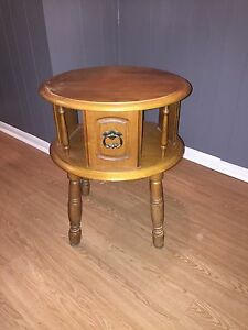 Table basse vintage / antique en bois