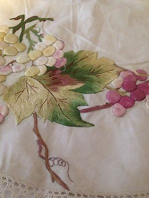 Antique Society LACE Round TABLECLOTH Topper BEAUTIFUL Embroidery ROSES GRAPES