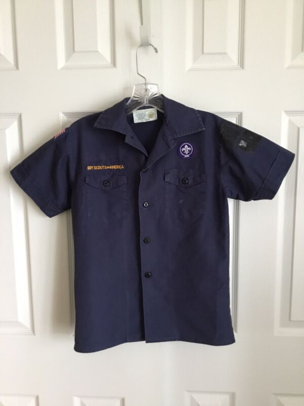 BSA Navy Blue Short Sleeve Cub Scout Official Youth Shirt Size Youth Medium