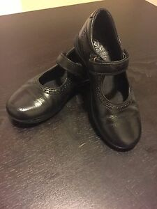 Pablosky Girl School Shoes size 32 (1 US or 13 UK) Lane Cove West Lane Cove Area Preview