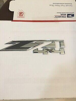 "Chevy Silverado 15-17 (Z71 4 X4) One- Fender ""EMBLEM"""