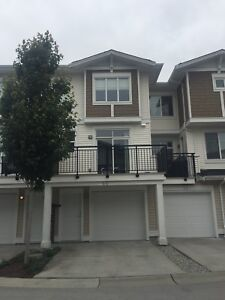 3 bed townhouse available Clayton Heights Cloverdale