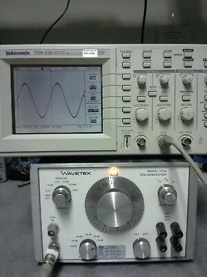 Wavetek 131a Function Generator With Vcg Tested 2mhz 20v P-pk 50600ohm 60db
