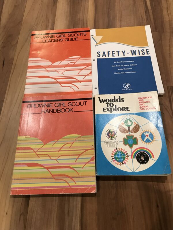 GIRL SCOUT Books Lot of 4 - 1970s &80s- Juliette Low, Brownie Handbook Leaders
