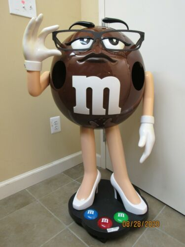 """M&M BROWN CANDY CHARACTER STORE DISPLAY 40"""" TALL (21921-UPS-YS)"""
