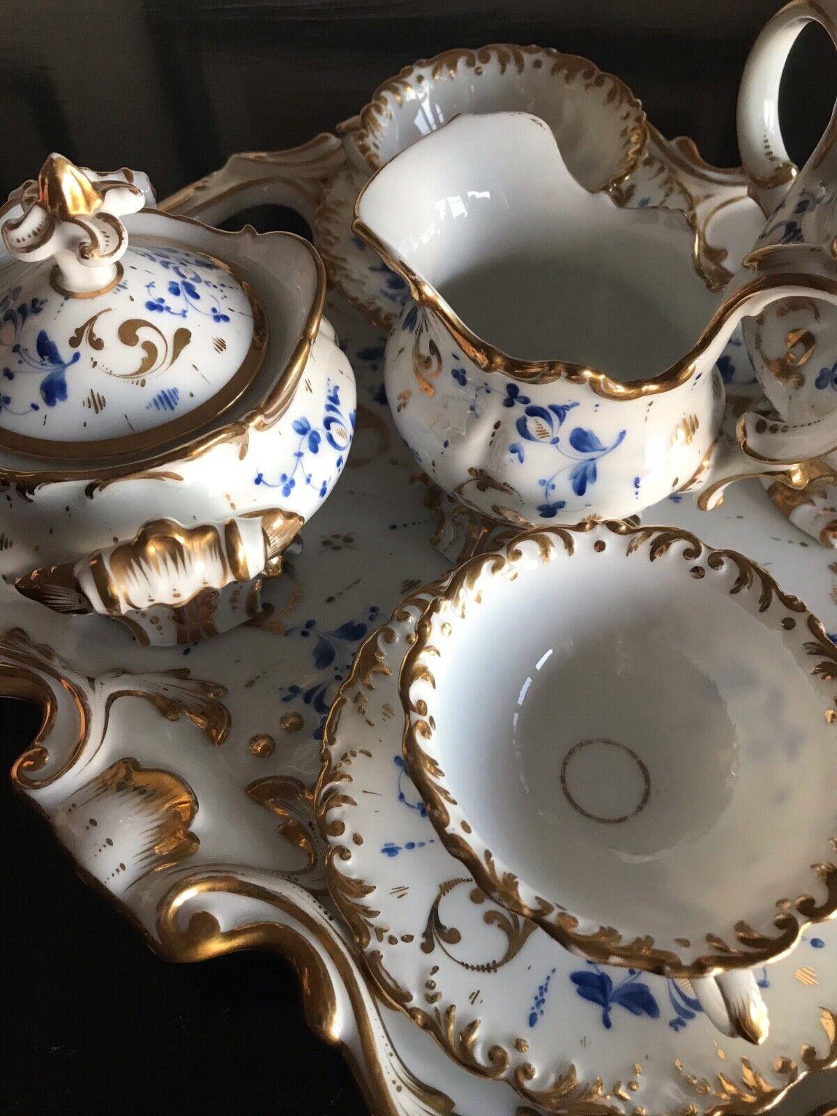 Antico servizio da tè francese in porcellana
