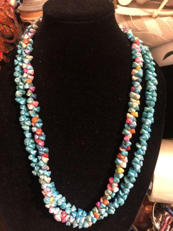 Iridescent Shell Necklace 2 Rockabilly Fashion 🦋